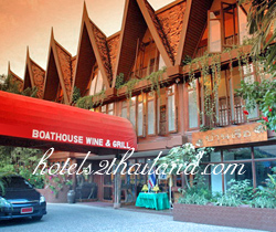 Mom Tri's Boathouse Hotel Phuket