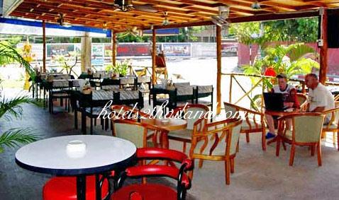 Anchalee inn phuket for Anchalee thai cuisine